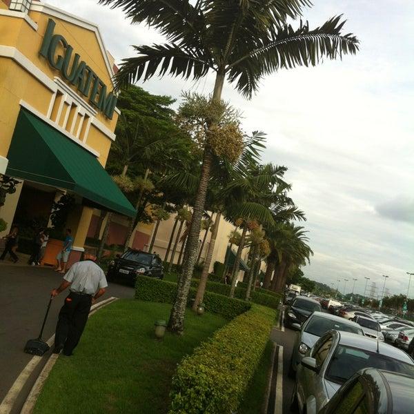 Das Foto wurde bei Shopping Iguatemi von Claudio B. am 12/22/2012 aufgenommen