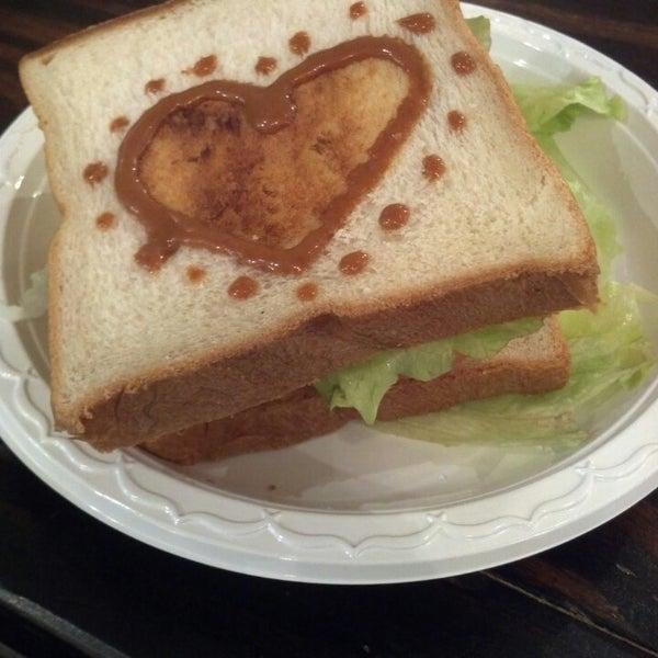 3/10/2014 tarihinde Philip B.ziyaretçi tarafından Maid Cafe NY'de çekilen fotoğraf