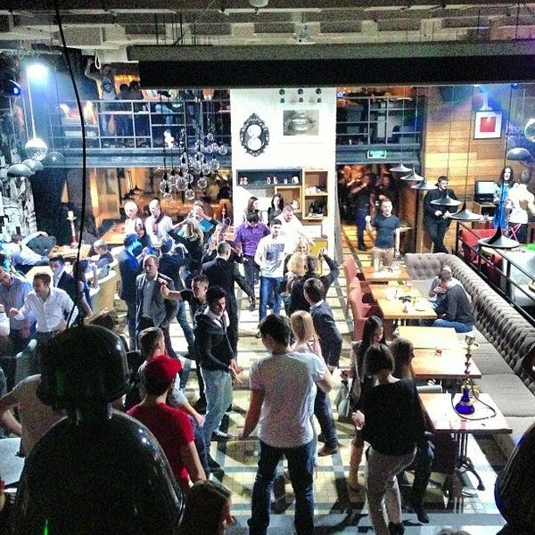 Foto scattata a Moska Bar da DJ_Yonce il 2/9/2013
