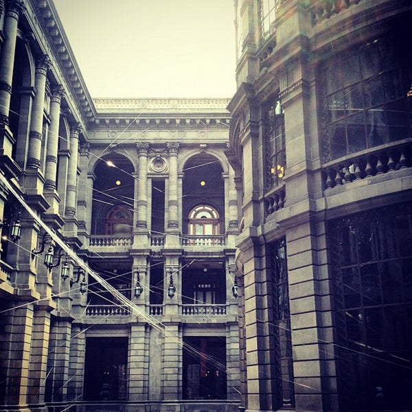 9/14/2012 tarihinde Tere C.ziyaretçi tarafından Museo Nacional de Arte (MUNAL)'de çekilen fotoğraf