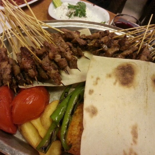 Foto diambil di Topçu Restaurant oleh Sedat T. pada 12/24/2012