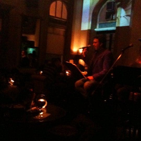 รูปภาพถ่ายที่ Zihni Bar โดย Selin Melek A. เมื่อ 12/19/2012