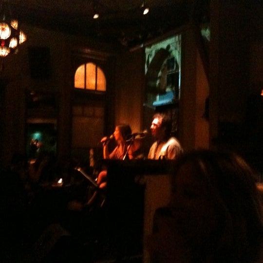รูปภาพถ่ายที่ Zihni Bar โดย Selin Melek A. เมื่อ 11/14/2012