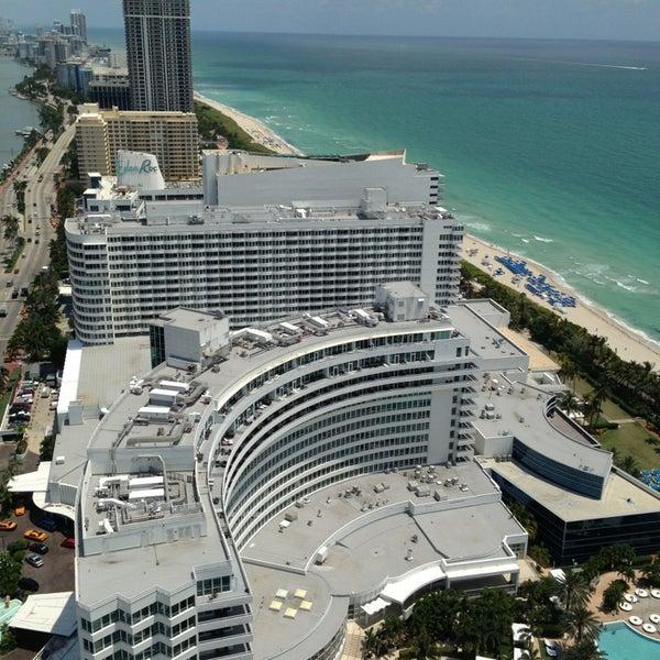 Photo prise au Fontainebleau Miami Beach par Eddie B. le5/17/2013