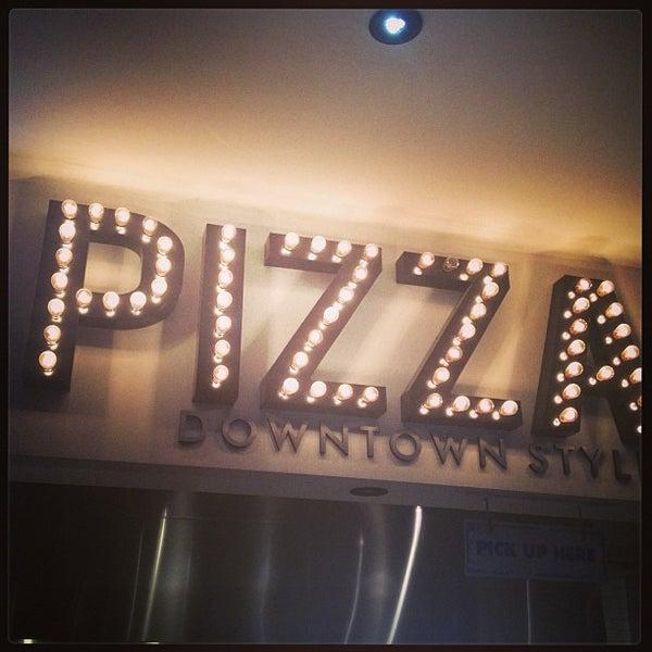 Снимок сделан в Pop Up Pizza пользователем Derek N. 7/11/2013
