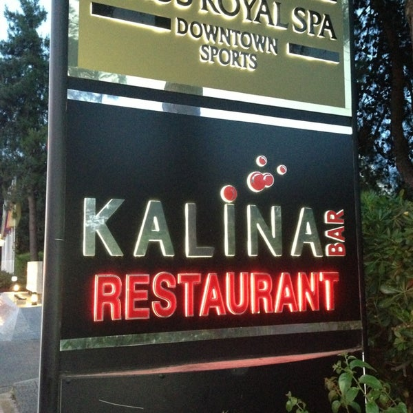 Foto tomada en Kalina Bar Restaurant por Alisan A. el 5/18/2013