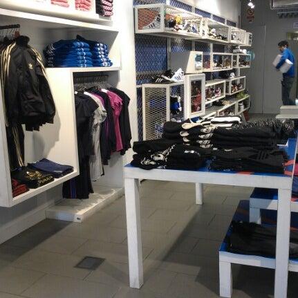 chico Derivación Demon Play  Adidas Originals Store Madrid (Now Closed) - Sporting Goods Shop in Madrid