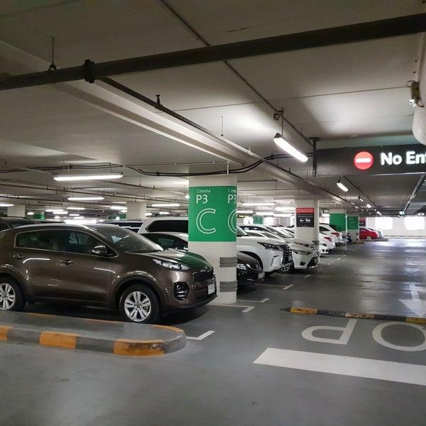 Дубай молл парковка недвижимость в турции у моря недорого купить