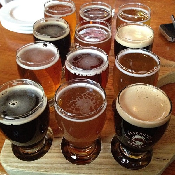 Photo prise au Deschutes Brewery Portland Public House par Rev C. le4/12/2013