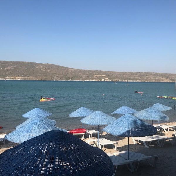Das Foto wurde bei Alaçatı Surf Paradise Club von Dilara Ö. am 6/2/2018 aufgenommen