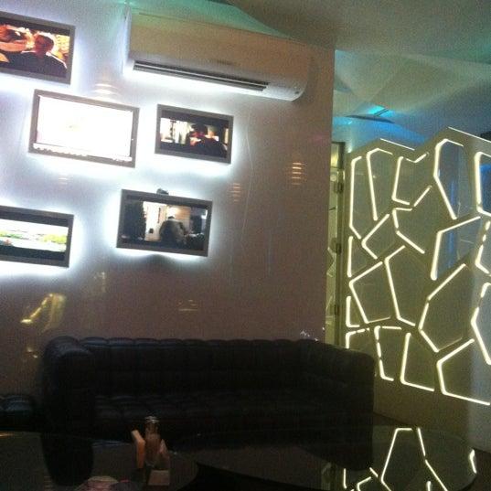Снимок сделан в Cafe Studio 89,5fm пользователем Сергей П. 11/21/2012