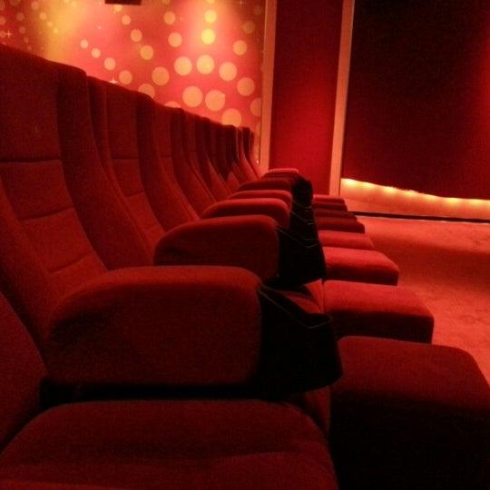 Foto tomada en Spectrum Cineplex por Gökce I. el 10/14/2012