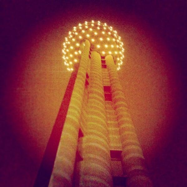 10/19/2013にlanamaniacがReunion Towerで撮った写真