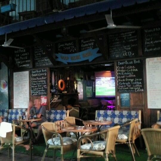 Foto tirada no(a) Deep Blue Bar por Tuba C. em 10/6/2012