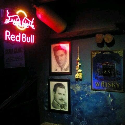 Foto tirada no(a) Deep Blue Bar por Tuba C. em 11/29/2012