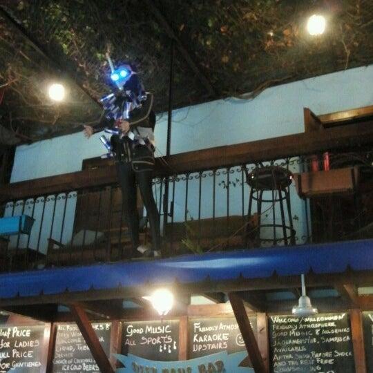 Foto tirada no(a) Deep Blue Bar por Tuba C. em 9/27/2012