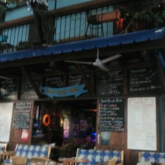 Foto tirada no(a) Deep Blue Bar por Tuba C. em 10/11/2012