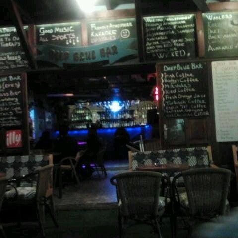 Foto tirada no(a) Deep Blue Bar por Tuba C. em 11/16/2012
