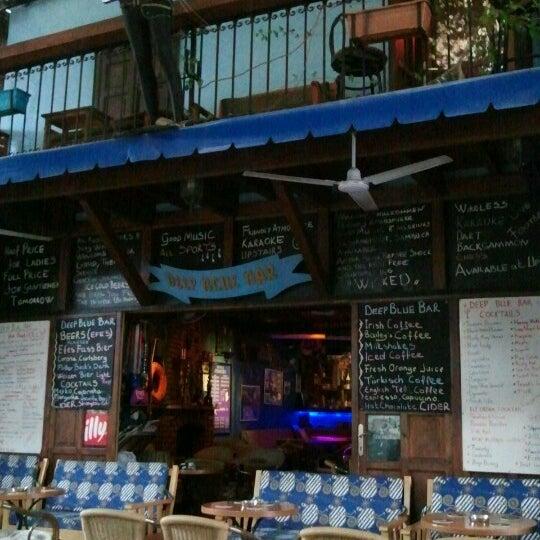 Foto tirada no(a) Deep Blue Bar por Tuba C. em 10/24/2012