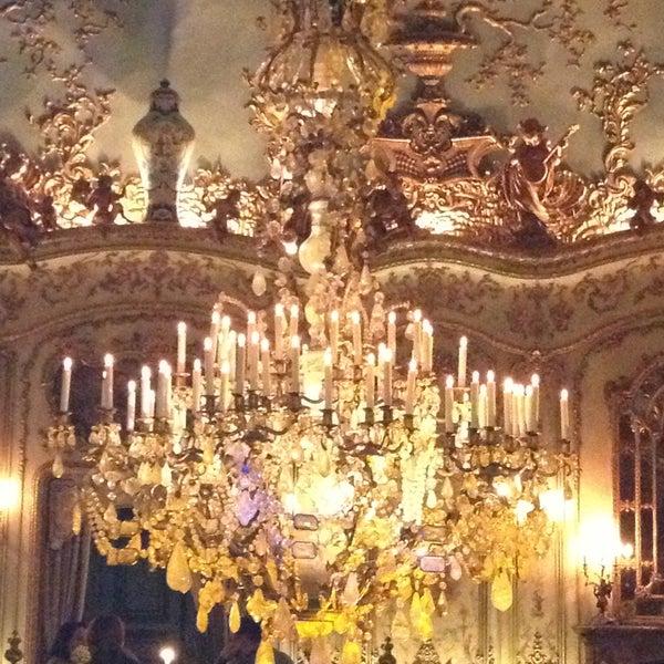 4/12/2013 tarihinde Katerina S.ziyaretçi tarafından Turandot'de çekilen fotoğraf