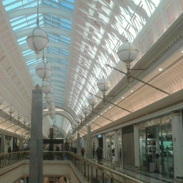 Foto tomada en Centro Comercial Gran Vía 2 por Rafel G. el 12/5/2012