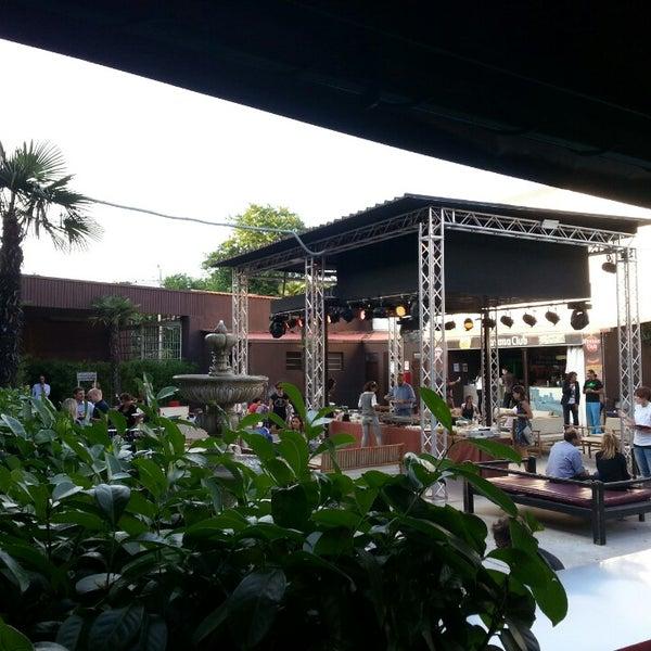 รูปภาพถ่ายที่ Bobino Club โดย Tram M. เมื่อ 6/25/2013