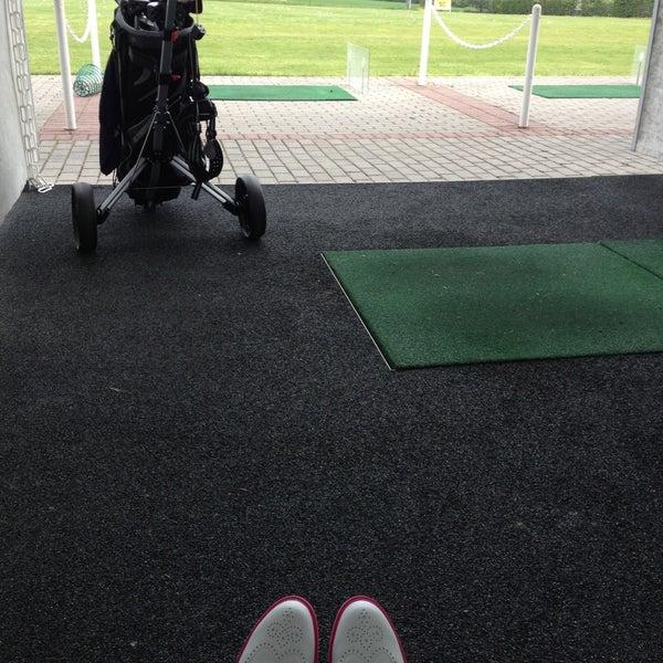 Das Foto wurde bei Golf-Club Golf Range Frankfurt Bernd Hess e.K. von Lia am 5/3/2013 aufgenommen