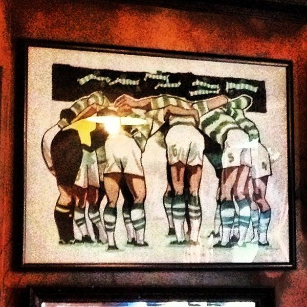 Foto tirada no(a) Tigin Irish Pub por Matthew A. em 4/11/2013