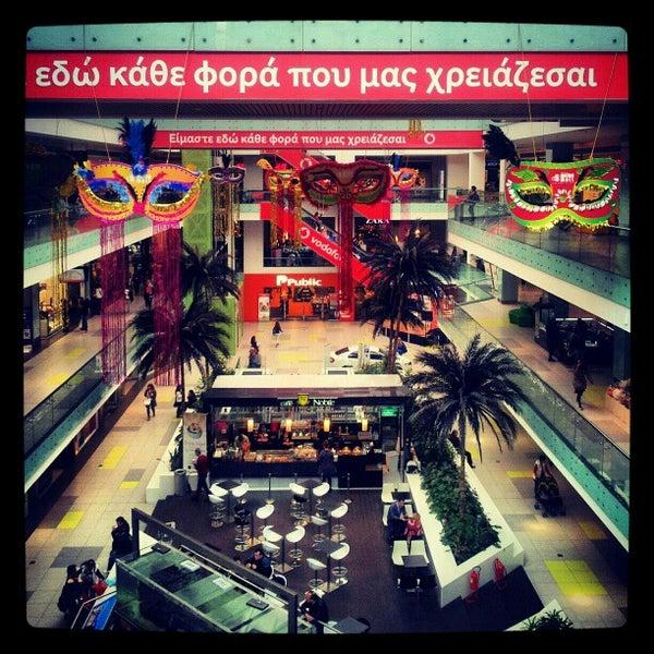 รูปภาพถ่ายที่ Athens Metro Mall โดย Valeria K. เมื่อ 3/8/2013