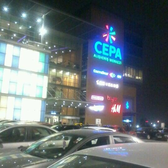 Foto tirada no(a) Cepa por Hakan S. em 11/19/2012