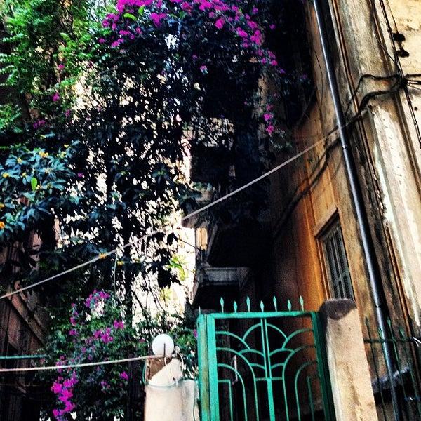 รูปภาพถ่ายที่ The Hangout โดย OverWelming Beirut C. เมื่อ 4/23/2013