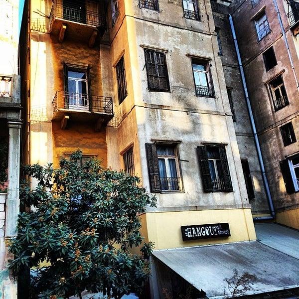 รูปภาพถ่ายที่ The Hangout โดย OverWelming Beirut C. เมื่อ 1/15/2014