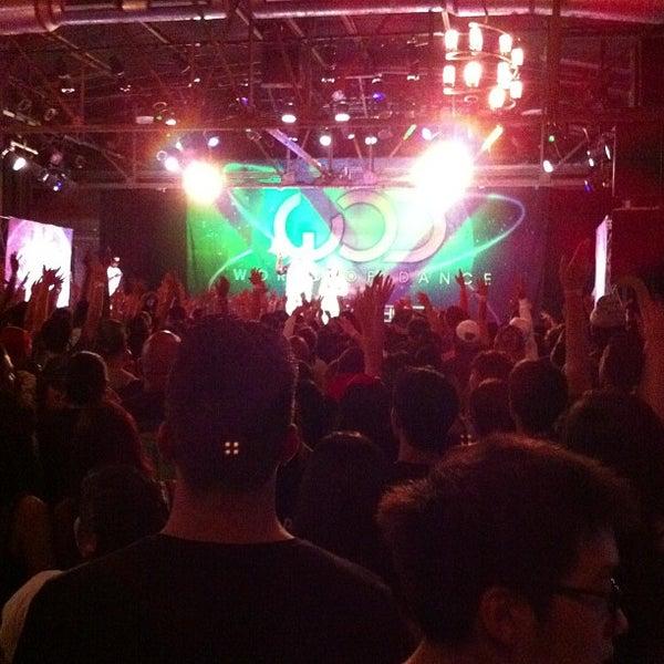 รูปภาพถ่ายที่ Warehouse Live โดย Ninja N. เมื่อ 8/24/2013