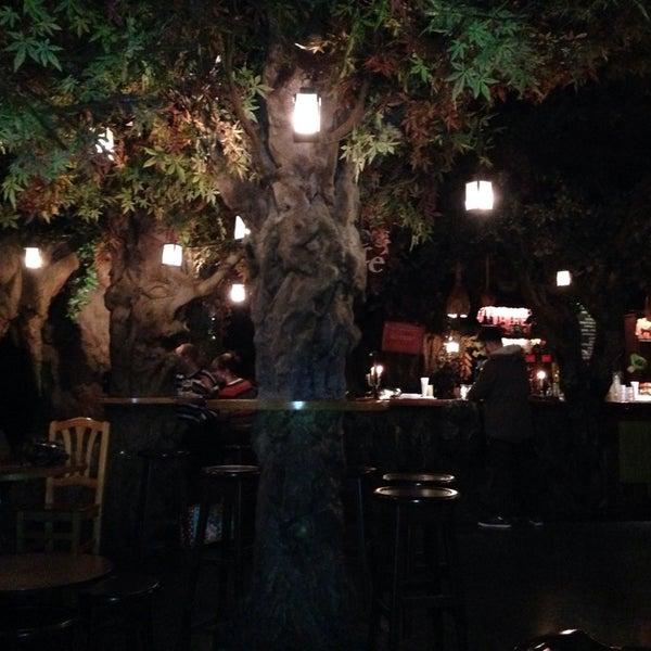 รูปภาพถ่ายที่ El Bosc de les Fades โดย Sasha เมื่อ 12/9/2014