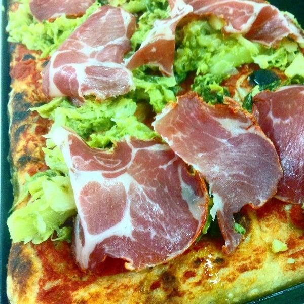 Foto tirada no(a) Mamma Mia Pizza & FastGood por Mamma Mia F. em 5/13/2015