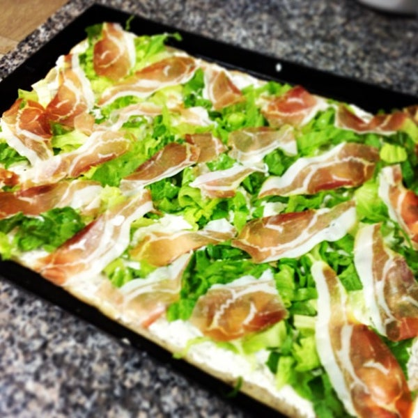 Foto scattata a Mamma Mia Pizza & FastGood da Mamma Mia F. il 6/24/2013
