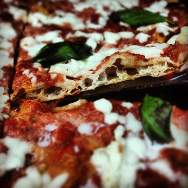 Foto scattata a Mamma Mia Pizza & FastGood da Mamma Mia F. il 7/8/2013