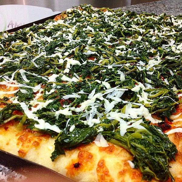 Foto scattata a Mamma Mia Pizza & FastGood da Mamma Mia F. il 3/19/2015