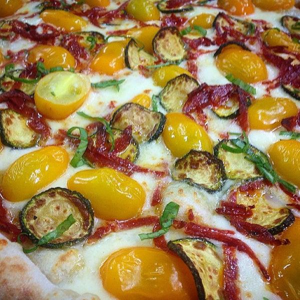 Foto tirada no(a) Mamma Mia Pizza & FastGood por Mamma Mia F. em 6/3/2015
