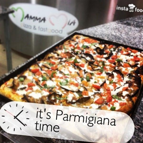Foto tirada no(a) Mamma Mia Pizza & FastGood por Mamma Mia F. em 3/21/2014