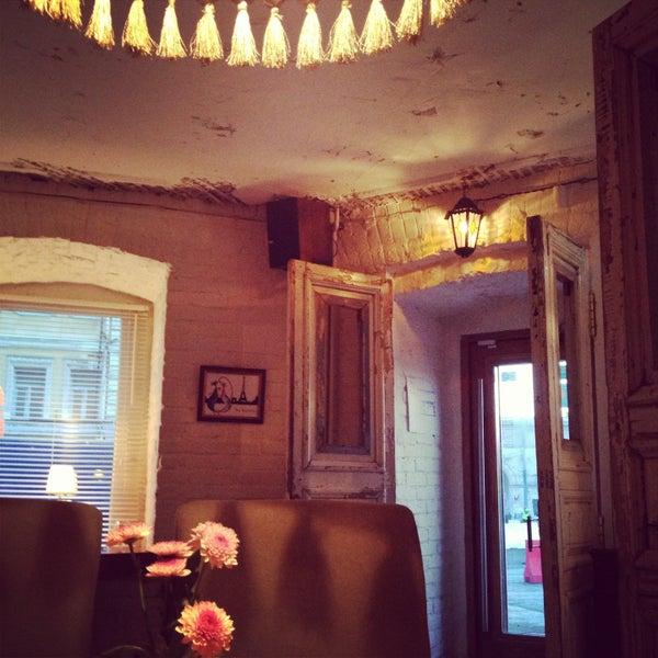 Photo prise au Le Bouchon Café par Nina G. le4/30/2013
