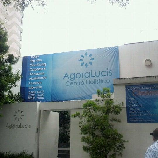 Foto diambil di AgoraLucis-bistrot oleh Fer pada 9/24/2012