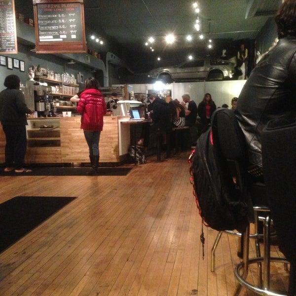 4/17/2013에 Raemond L.님이 The Wormhole Coffee에서 찍은 사진