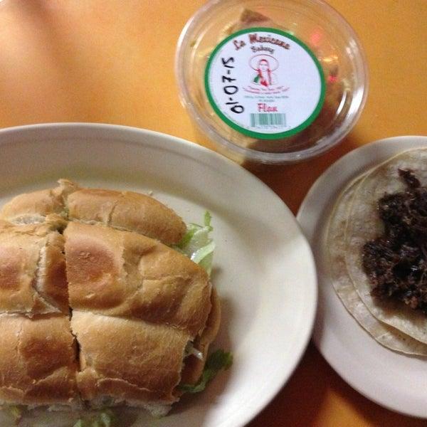 Снимок сделан в La Mexicana Bakery пользователем Jonathan J. 1/1/2015