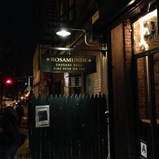 10/11/2012에 Derek R.님이 Rosamunde Sausage Grill에서 찍은 사진