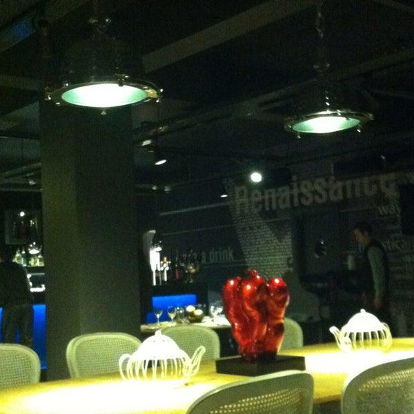 2/23/2013 tarihinde Yelizziyaretçi tarafından Mint Restaurant & Bar'de çekilen fotoğraf