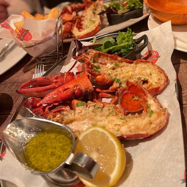 Foto tirada no(a) Big Easy Bar.B.Q & Crabshack por Abdullah em 7/31/2021