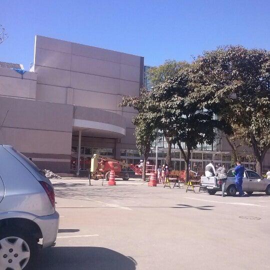 Das Foto wurde bei Grand Plaza Shopping von Renan H. am 9/28/2012 aufgenommen