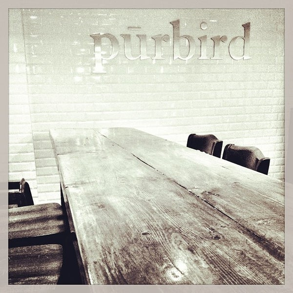 Photo prise au Purebird par Angel S. le3/10/2013