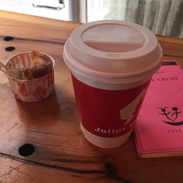 Foto scattata a Milkbar Coffee & Panini da Ayben M. il 3/19/2016